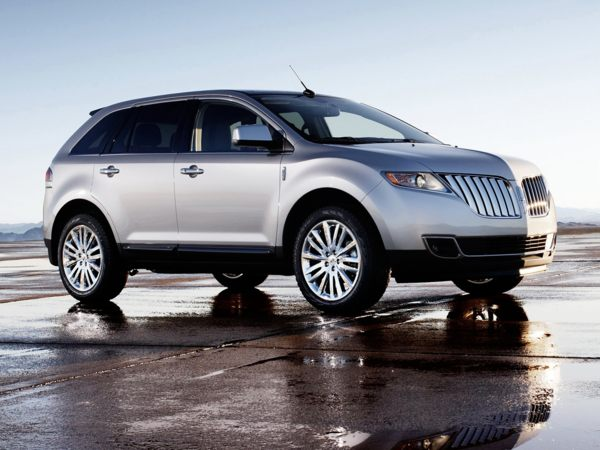 The 2011 Lincoln MKX comes with a 0% financing incentive during September.