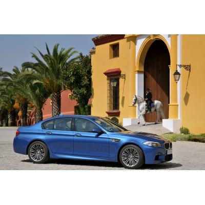 New 2012 BMW M5 with 560-hp
