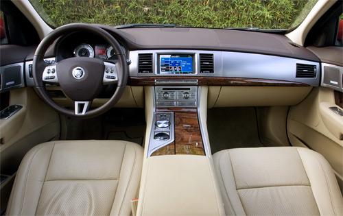 jaguarxfint1500.jpg