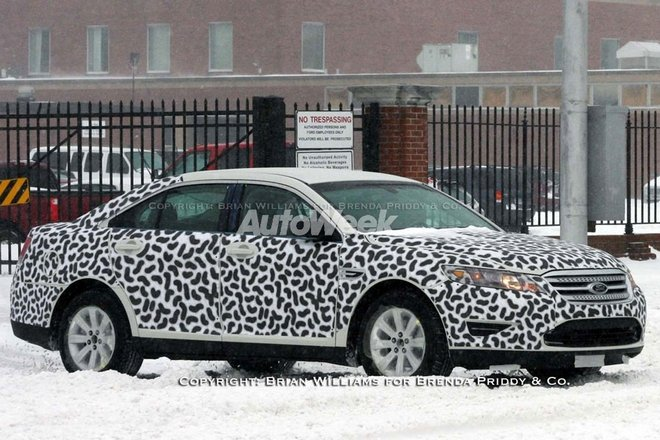 ford-taurus-spy-shots.jpg