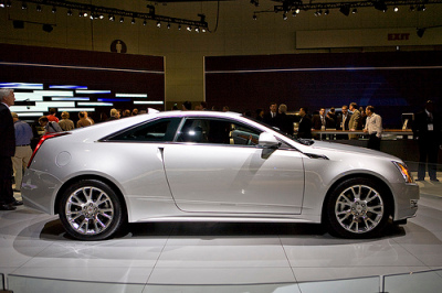 Cadillac CTS coupe side view picture