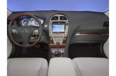 2011 Lexus ES 350 interior