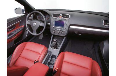 2011 VW Eos interior