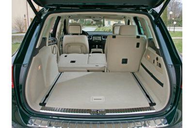 2011 VW Touareg Cargo room